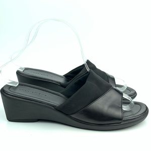 Predictions sandals size 7.5 W black wedge slides